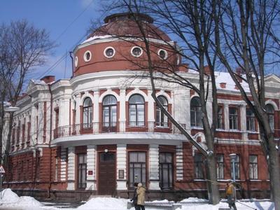 Здание Государственного архива Полтавской области