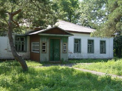 Здание в котором располагалась школа и комната-музей Е.П.Гребенки